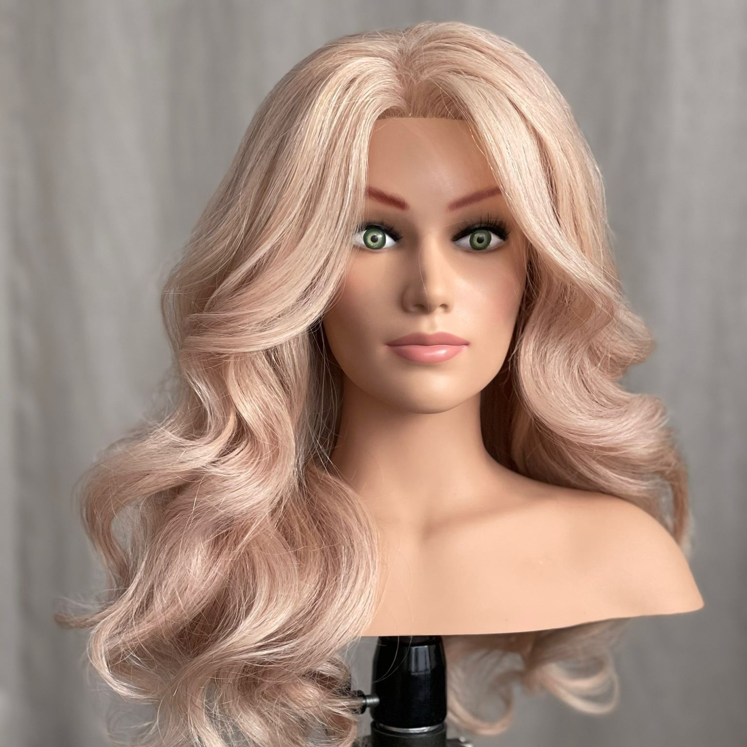 hairstyling mannequin dolly